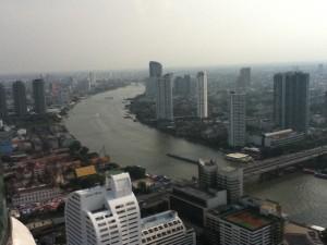 Aussicht aus dem 52. Stock des Hotels Lebua State Tower auf den Fluß Chao Phraya